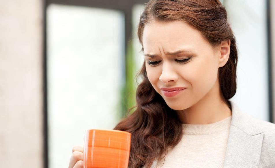 Гіркота в роті: причини, симптоми хвороб