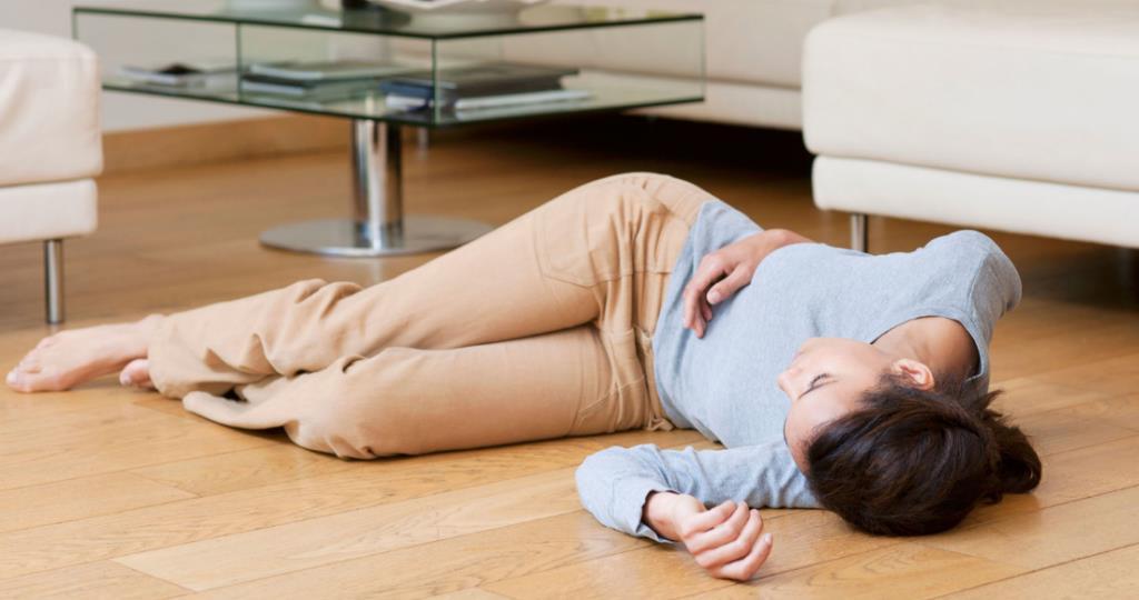 Втрата свідомості з судомами ніг