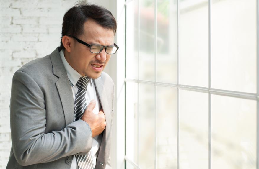 Що робити якщо боляче дихати в серце