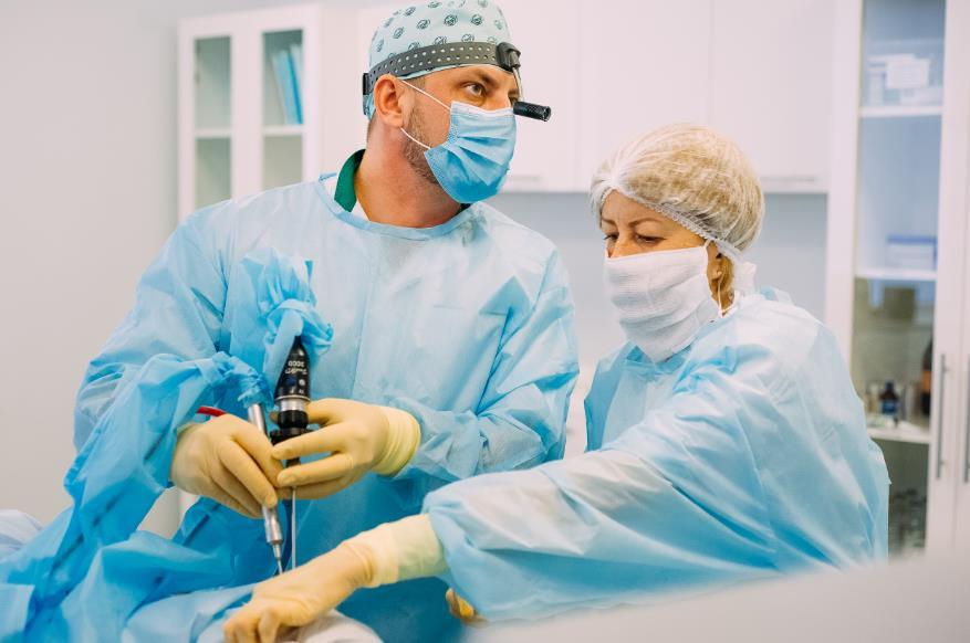 Хірургічне видалення кісти пазух носа