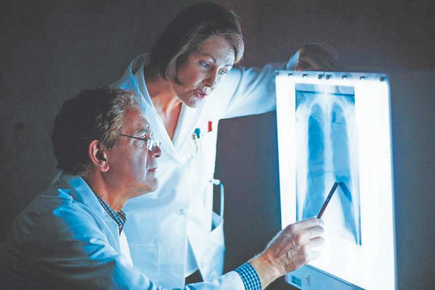 Пневмонія без жару й кашлю