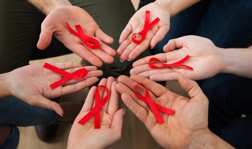 """Лікування ВІЛ і жодних """"вироків"""""""