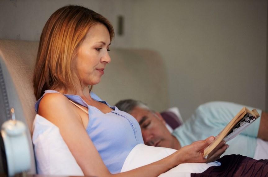 Як побороти безсоння при клімаксі без шкоди для здоров'я