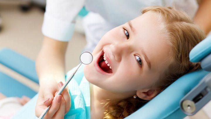 Бруксизм у дітей: чому дитина скрипить зубами уві сні