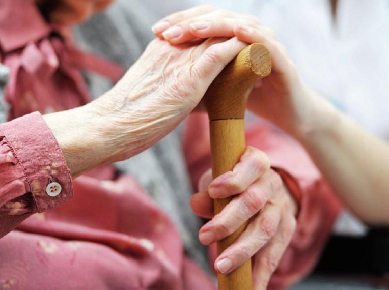 Хвороба Альцгеймера: як розпізнати недуг