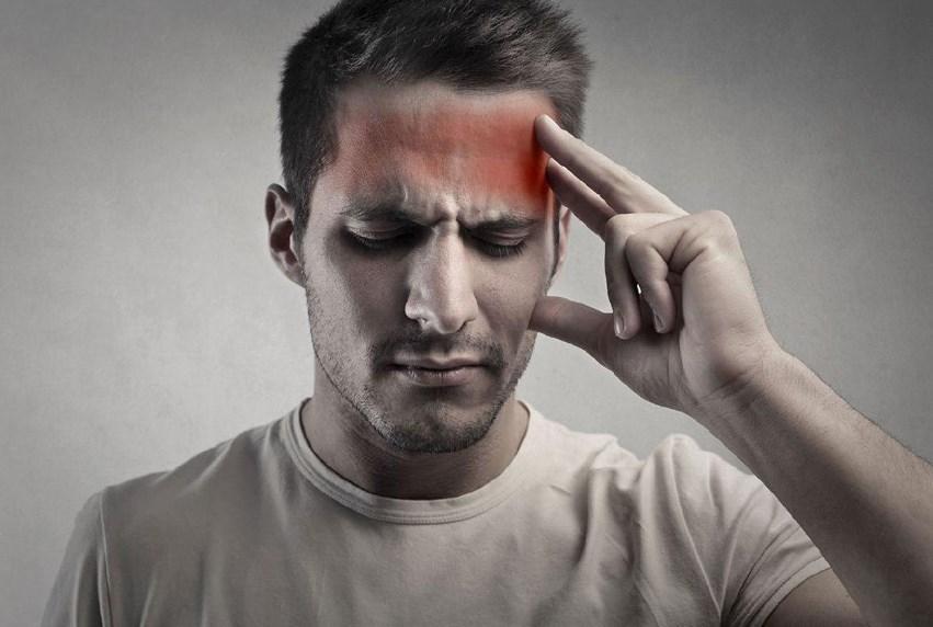 Хвороба Альцгеймера: причини і наслідки