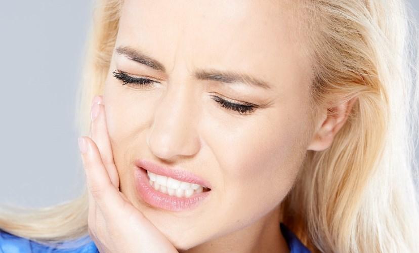 Бруксизм або скрегіт зубами