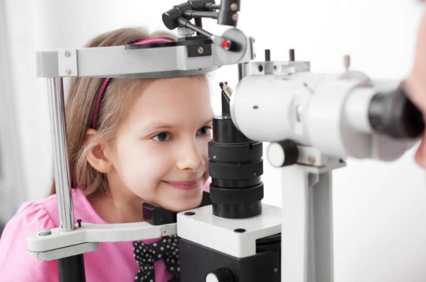 Астигматизм у дітей: лікується чи ні