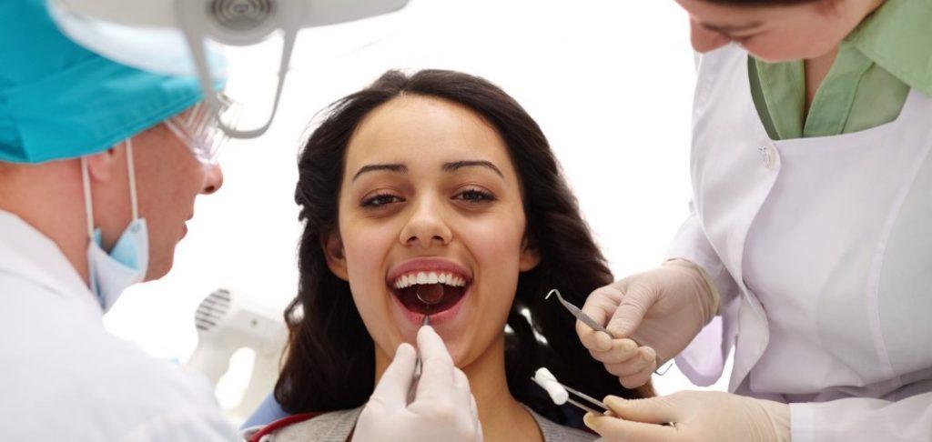 Відторгнення зубного імпланта