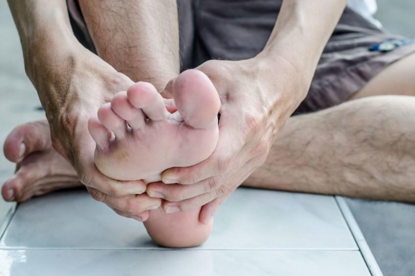 Гіпергідроз стоп - причини, симптоми і лікування