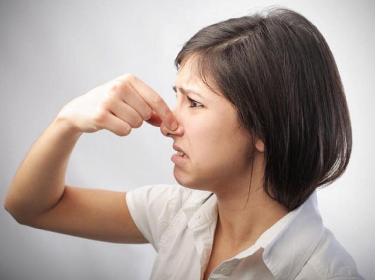Аерофагія: симптоми, причини, діагностика та лікування аерофагії