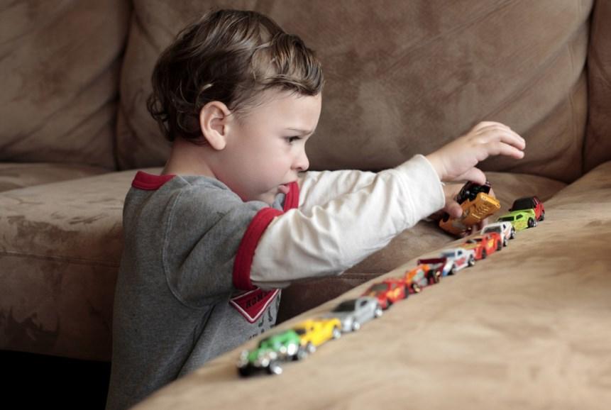 Аутизм у дитини: симптоми