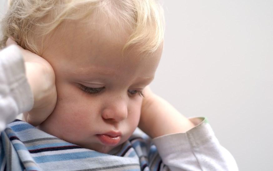 Дитячий аутизм: причини виникнення захворювання