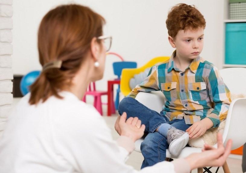 Як розпізнати аутизм у дитини