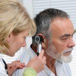 Кондуктивна приглухуватість: причини захворювання, основні симптоми, лікування і профілактика