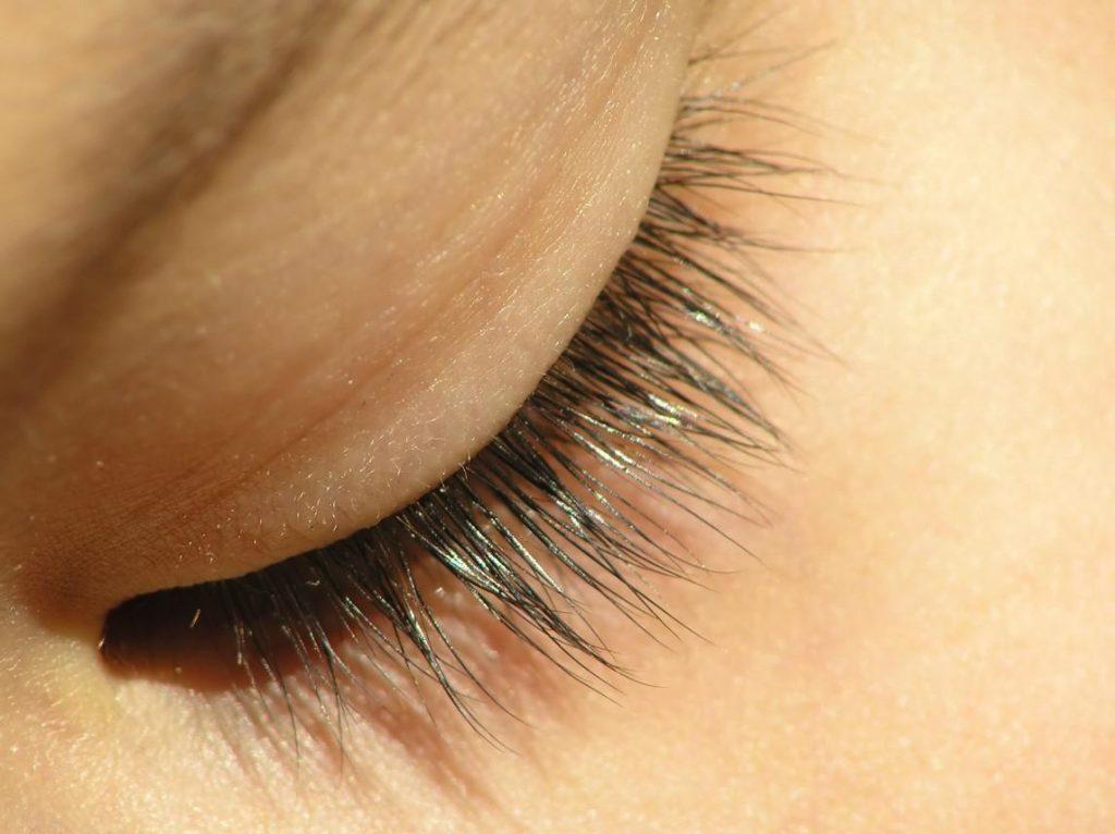 Відшарування сітківки ока: симптоми, лікування