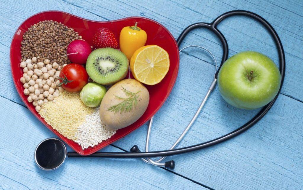 Як знизити холестерин і очистити судини за допомогою простих продуктів