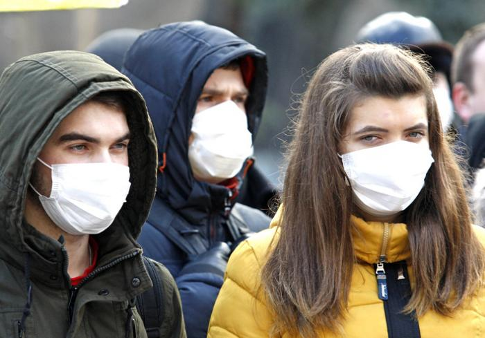 Коронавірус: як не заразити літніх родичів