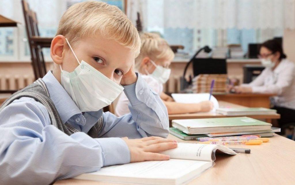 Чи правда, що діти майже не хворіють коронавірусів? І якщо так, то чому?