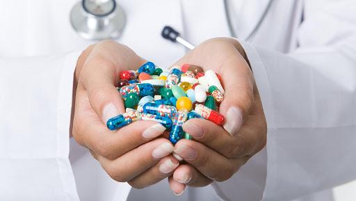 Бронхіт і антибіотики: в яких випадках їх призначають, а в яких – ні?