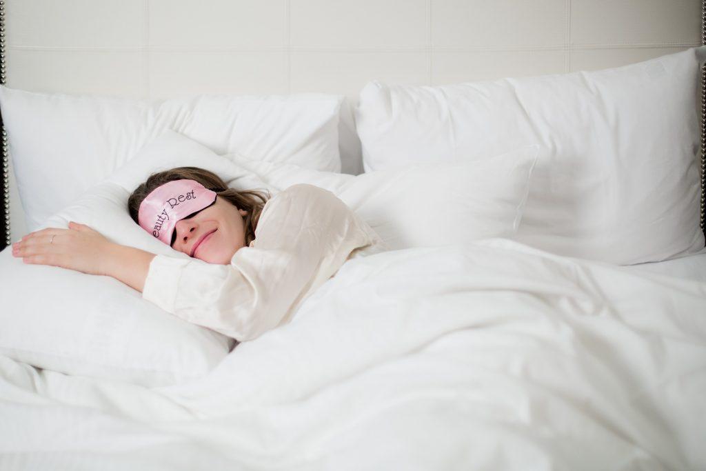 «Здоровий сон»: Як правильно спати