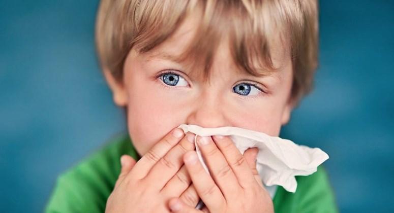 Дитина часто хворіє: як боротися з частою застудою