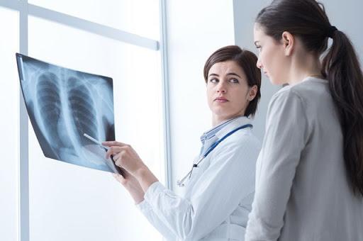 Пневмонії: антибактеріальна терапія