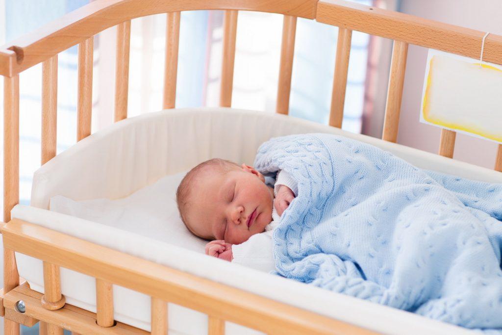 Оптимальна температура і вологість в кімнаті новонародженого.