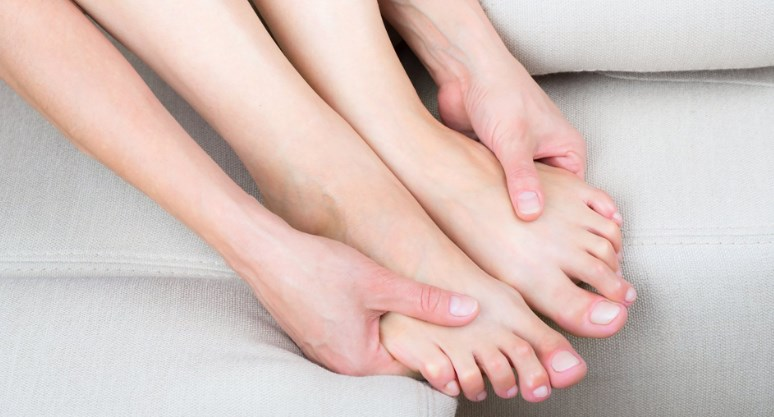 Слабкість в руках і ногах