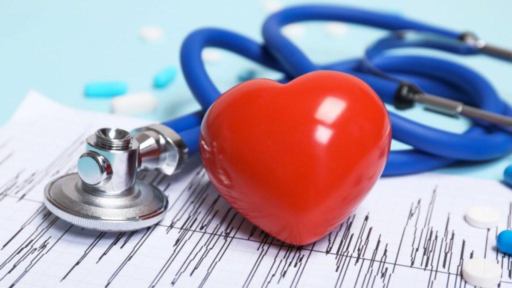Інфаркт та інсульт. Як розпізнати і що робити