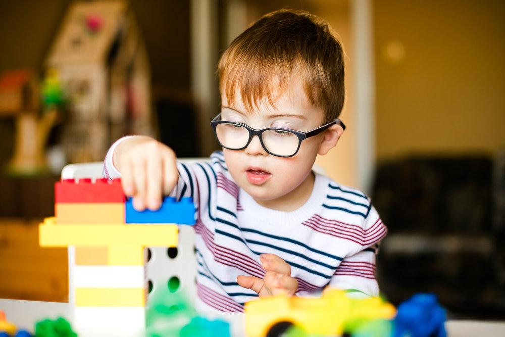 Симптоми і лікування дитячого аутизму