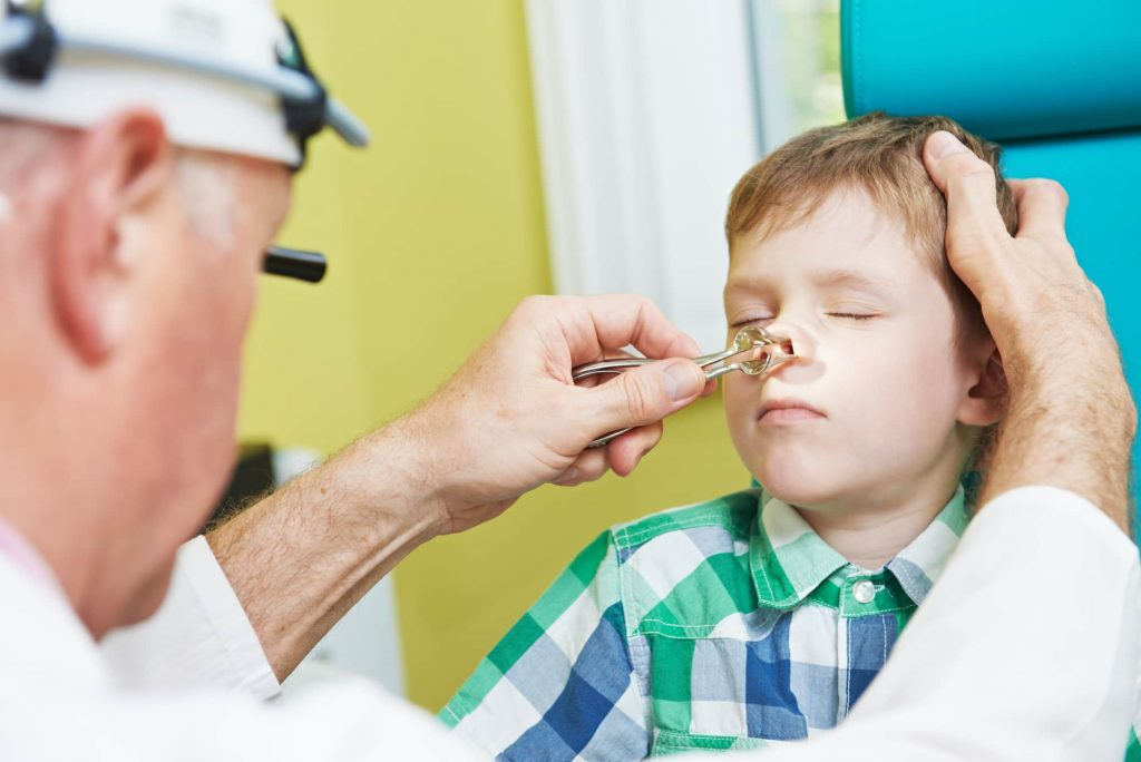 Носове викривлення перегородки у дітей: проблеми і симптоми