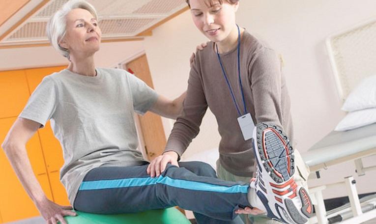 Симптоми перелому шийки стегна