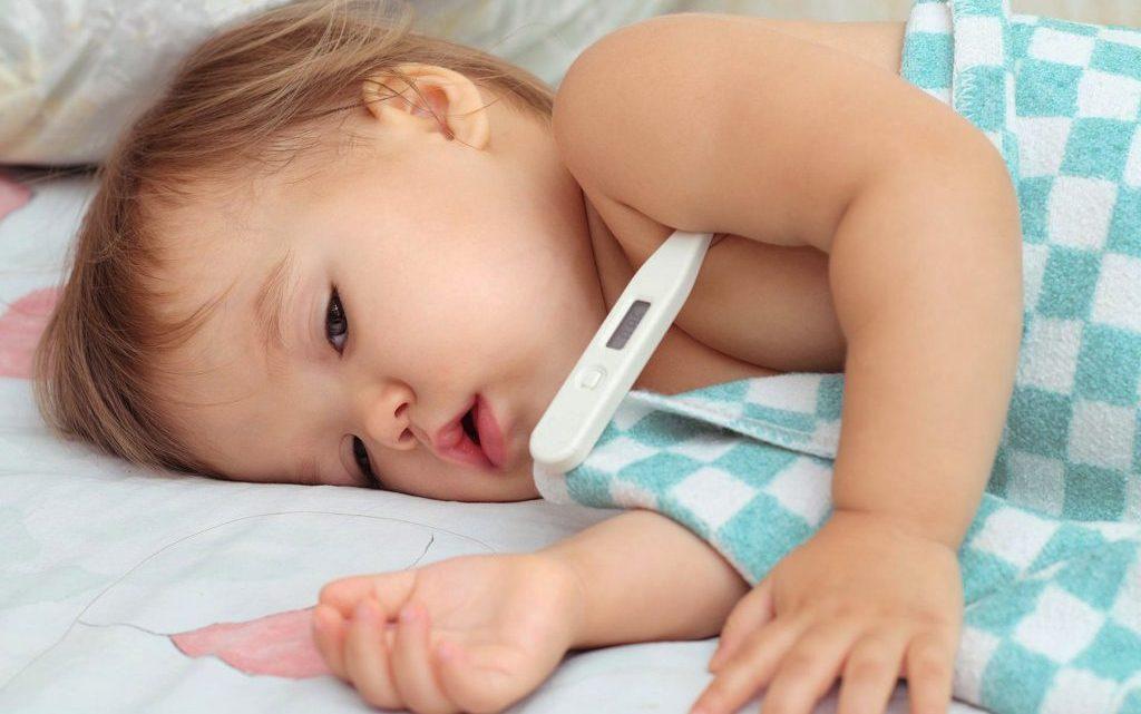 Фебрильні судоми у дитини: симптоми, причини