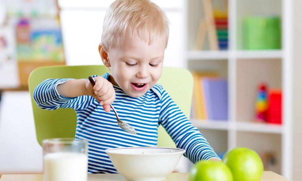 Ще шматочок! Як взяти під контроль звірячий апетит дитини
