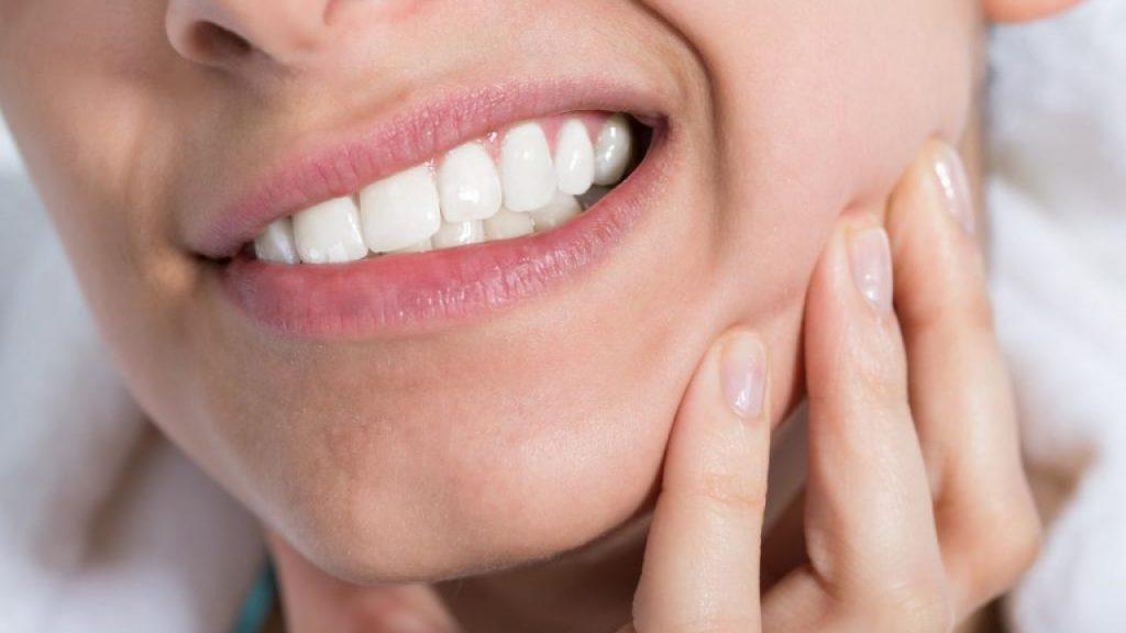 Як врятувати зуби від випадання