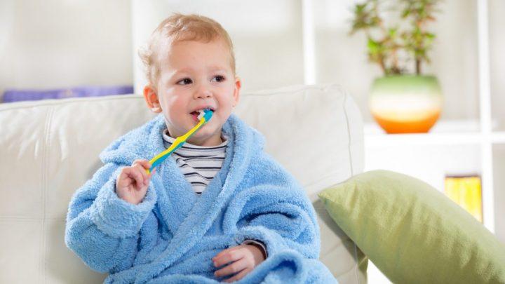 Молочні зуби дитини: як зберегти їх здоровими?