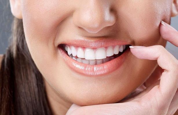 Домашнє відбілювання зубів, як відбілити зуби вдома