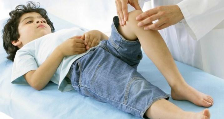 Болі зростання: як допомогти дитині рости без сліз