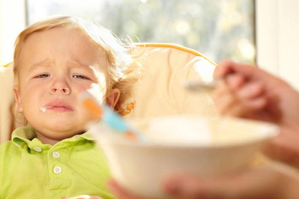 Отруєння у дитини: симптоми, лікування і дієта по днях