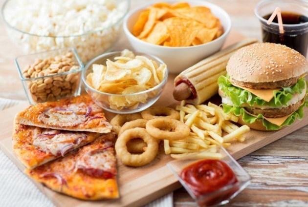 Переїдання: як допомогти собі і чого ні в якому разі не можна робити