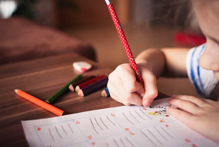 Сенсорна інтеграція: як навчити дитину відчувати правильно?