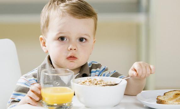 Топ 10 заборонених продуктів дітям до 1 року